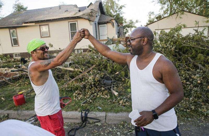 Cedar Rapids firefighters deem over 1,000 buildings 'unsafe to occupy' after derecho