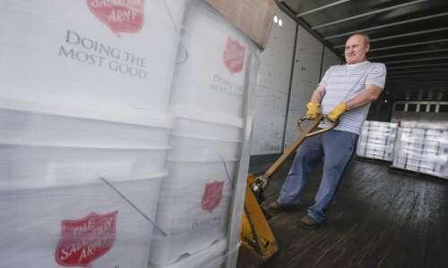 Cedar Rapids Salvation Army volunteers deployed to flood region