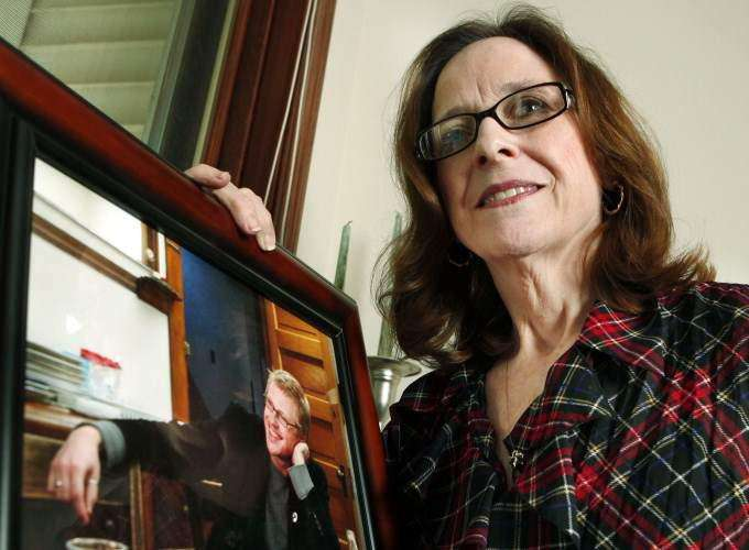 Cedar Rapids family links ex-soldier's death to burn pit