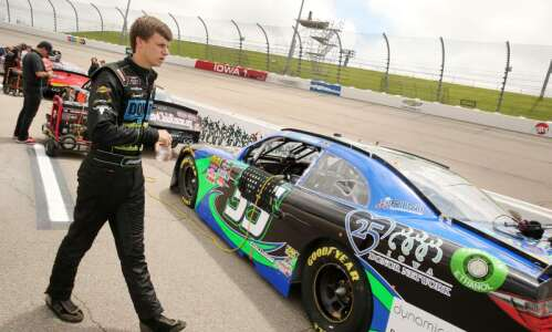 Joey Gase will battle his dad in special Hawkeye Downs…