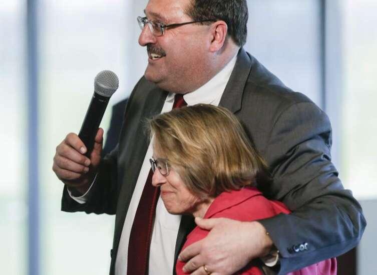 In Cedar Rapids visit, Sen. Sen. Rick Scott endorses Iowa caucuses