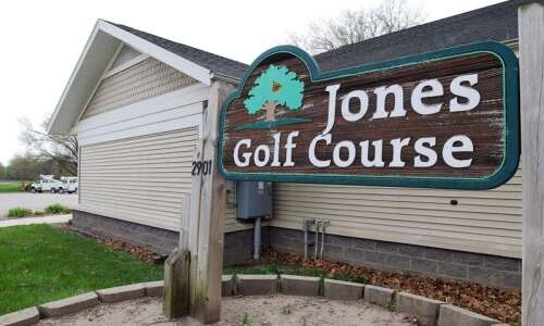 Cedar Rapids axes golf superintendent to help cut losses