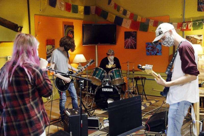 Eastern Iowa Arts Academy slowly welcoming back kids