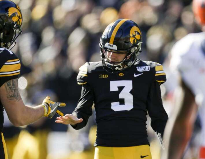Iowa-USC, Iowa State-Notre Dame and more bowl picks against the spread