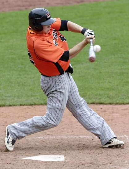 Jacob Thumann adds to school-record home run total, Wartburg tops Coe in IIAC baseball tournament