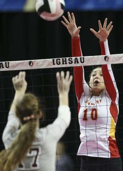 Photos: Mount Vernon vs. Carroll Kuemper, Iowa Class 3A state volleyball championship