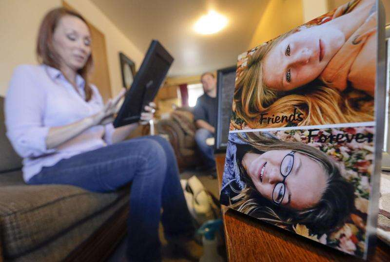 6 face charges in investigation into Vinton teen's death