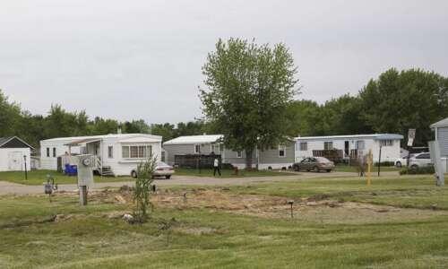 Mobile home park rent regulation won't advance in Iowa Legislature