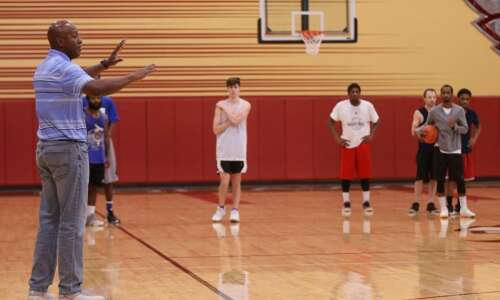 Ray Vassar uses basketball to try to change lives