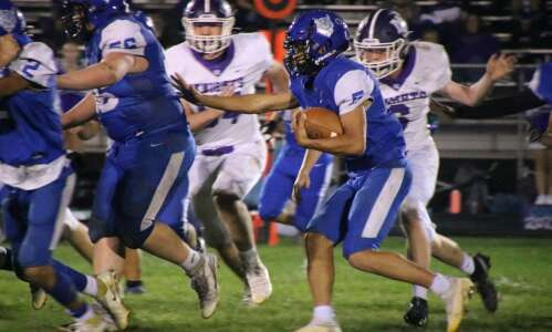 Amigon carries Wildcats to win