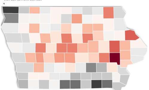 Map and charts: Iowa COVID vaccination rates by county