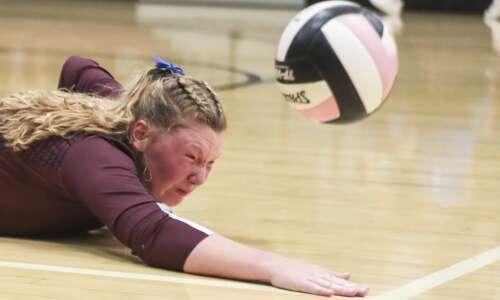 Photos: North Linn vs. Edgewood-Colesburg regional volleyball