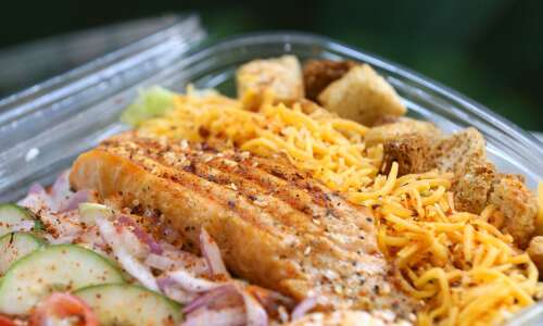 Leafy Bar brings flavorful salads, sandwiches to Lindale Mall