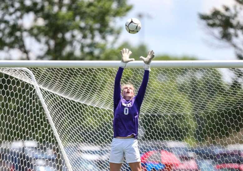 Iowa high school girls' state soccer 2021: Brackets, live streams, schedule
