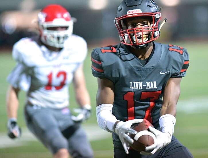 Iowa high school football rankings: Ankeny, Southeast Valley gain No. 1 status in 5A, 2A