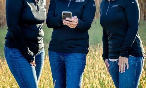 Iowa entrepreneurs develop app to ease farming challenges