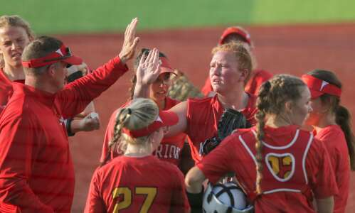 Clutch hits ignite Marion softball in sweep of Benton