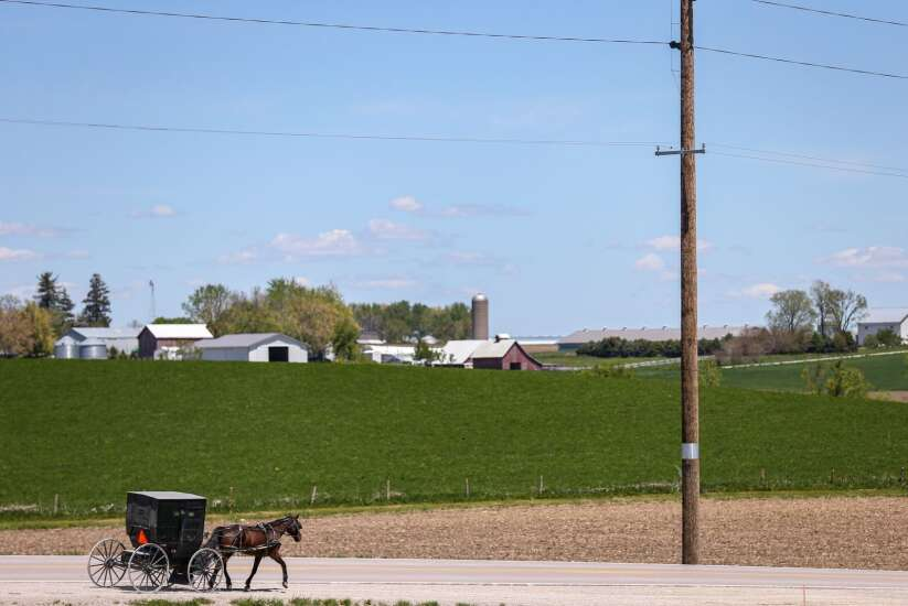 Shunning vaccines, Iowa Amish deal with COVID-19 as a community