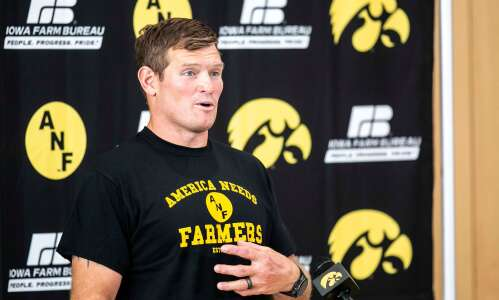Marshal Yanda goes from NFL to harvesting in Anamosa