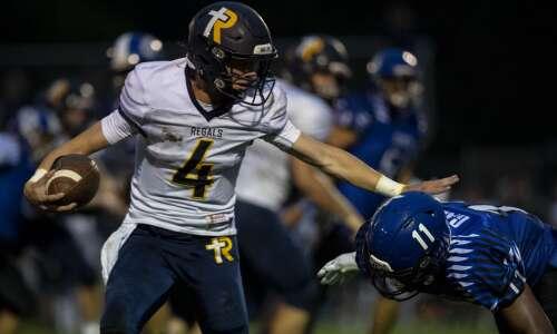 Iowa high school football scores: Friday night live updates
