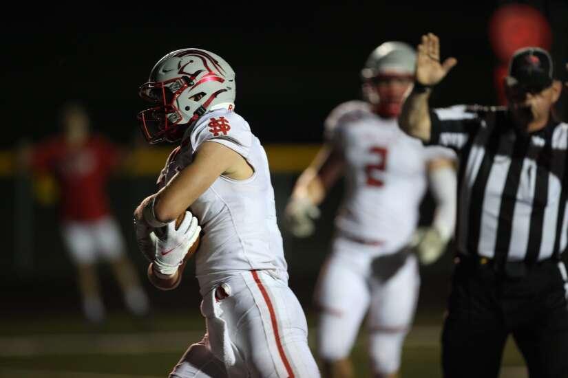 Iowa high school football scores: How the ranked teams fared in Week 4