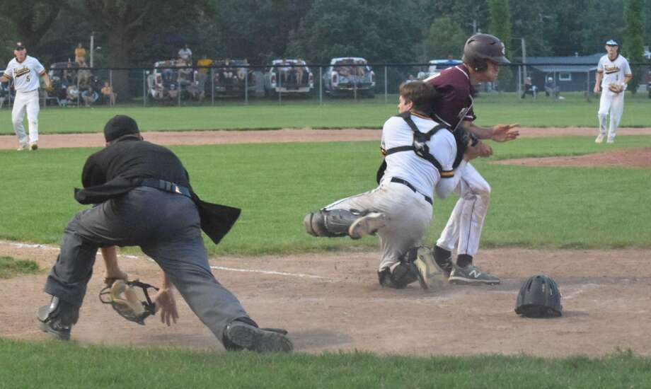 Play at plate full of contradictions