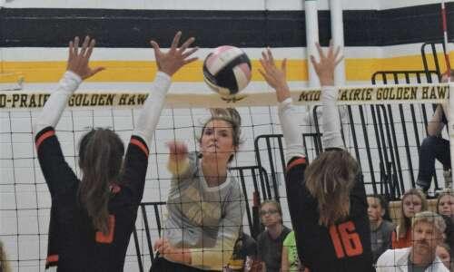 Mid-Prairie splits at RVC volleyball tournament