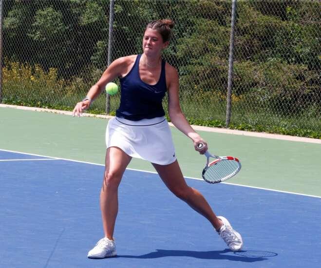 Cedar Rapids Xavier, Iowa City West aim to close girls' tennis season on top