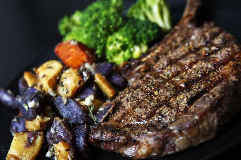 Kingston's Steakhouse takes place of Butcher Block in Cedar Rapids