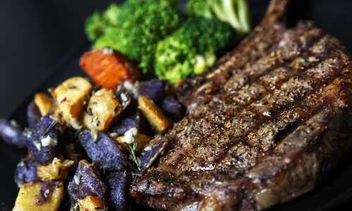 Kingston's Steakhouse fills in for Butcher Block in Cedar Rapids