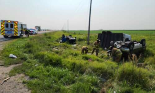 1 killed in two-vehicle wreck Monday morning in Linn County