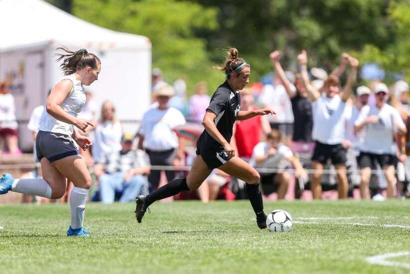 Kenzie Roling OT goal sends Waverly-Shell Rock past Cedar Rapids Xavier in girls' state soccer quarterfinals