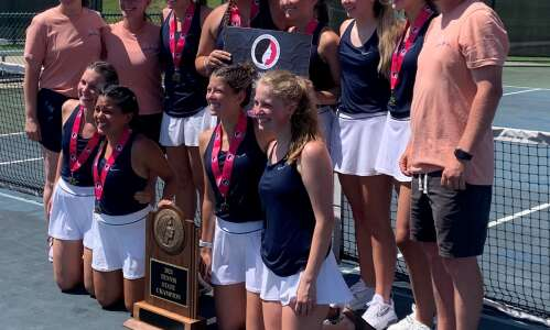 No. 6 singles player Avery Link closes out state title…