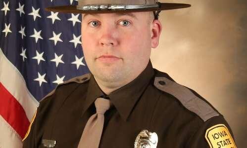Iowa trooper dies after crash last week in northeast Iowa