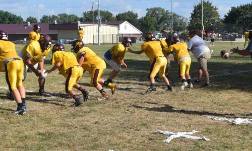 Mt. Pleasant gets experience in scrimmage with Ottumwa