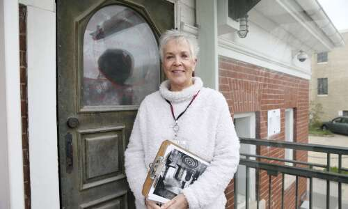 Docent finds lots to love at C.R. Museum of Art