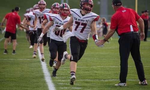 Iowa high school football rewind: Regular season's end is here