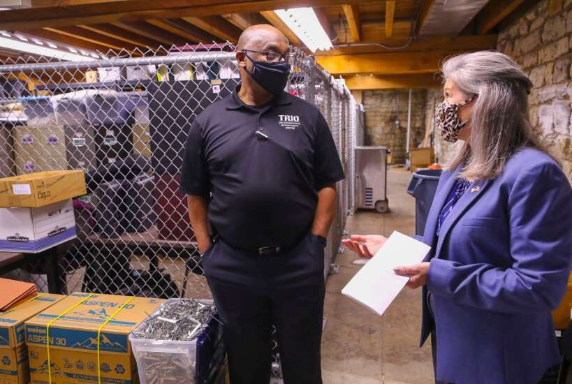Sen. Joni Ernst learns about Waterloo center that gets people ready for college