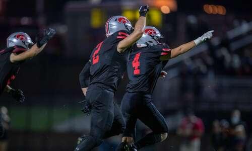 Who the ranked Iowa high school football teams face tonight