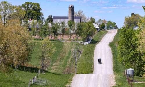 Iowa Amish community shunning COVID-19 vaccines