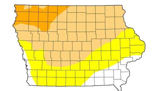 Hot and dry Iowa starting to take toll on crops