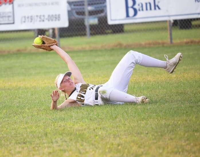 New London knocks out Hillcrest in slugfest
