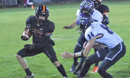 Washington football stalls in Grinnell