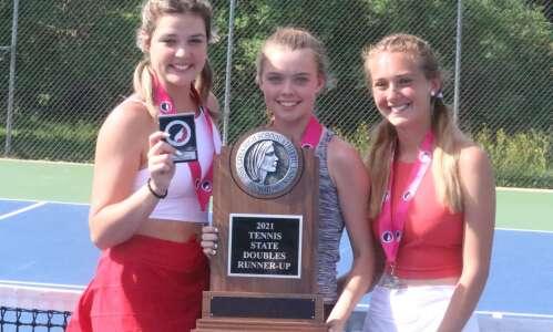 Fairfield tennis brings home medals