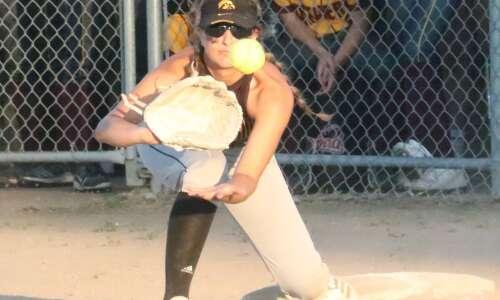 New London softball survives Mt. Pleasant