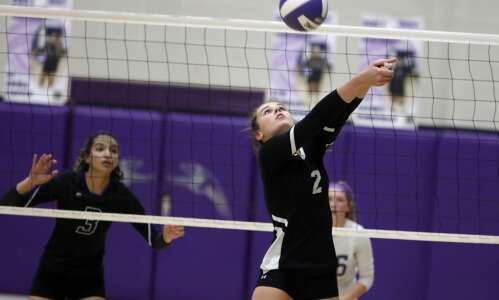 Fairfield volleyball team swept by Burlington