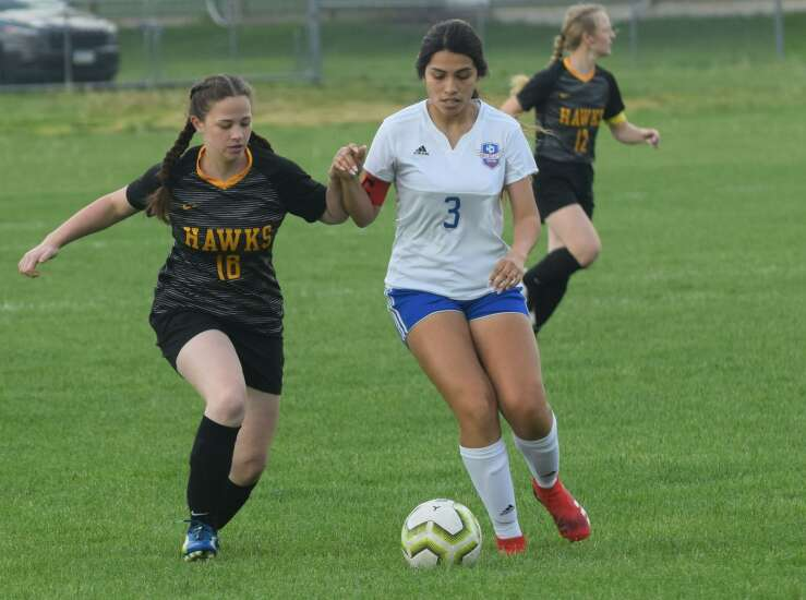 Goals pile up in 2nd half for Mid-Prairie girls in shutout of Columbus