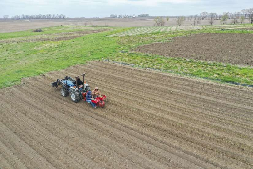 Grassley, Ernst and Axne backing a pro-farmer bipartisan climate solution