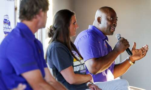 UNI AD David Harris back in public with 'thank you'