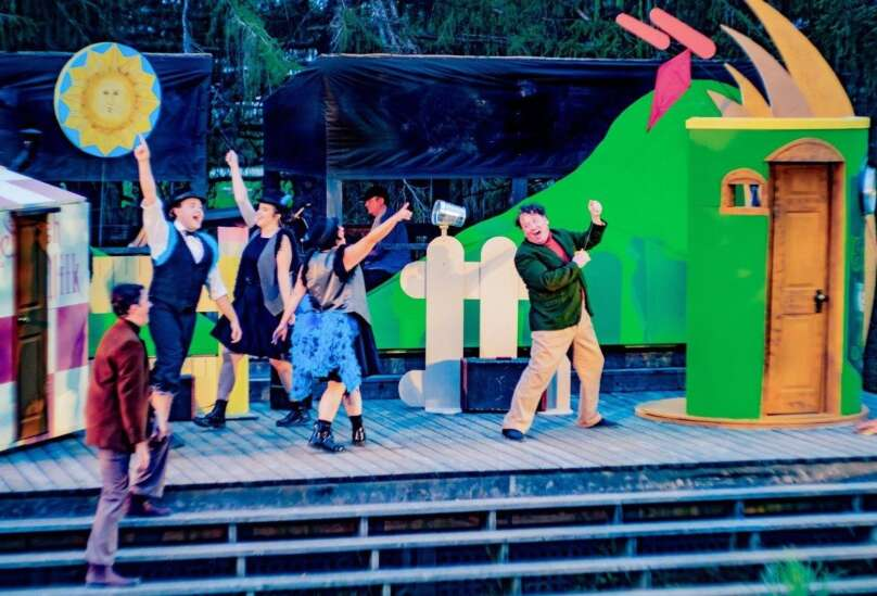 REVIEW: 'A Year with Frog and Toad' a merry and bright romp at Brucemore